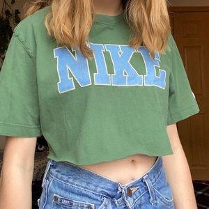 size L vintage green/blue nike crop top 🐸🦋